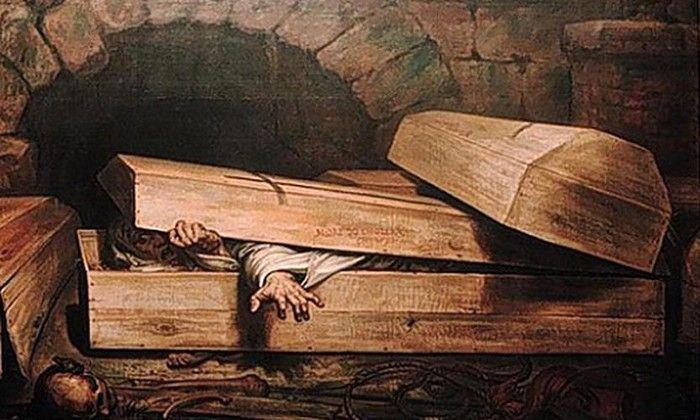 Mơ thấy người chết sống lại đánh con gì?